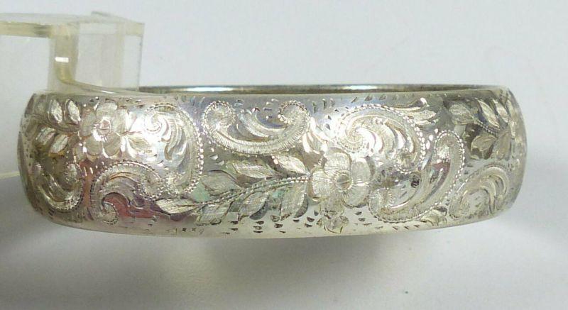 Original alter Armreif aus 835 Silber in OVP Schnaufer Dresden          (da5576)