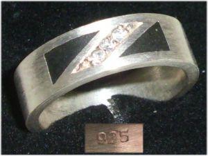 Ring aus 925er Silber mit weißen Steinen,  Gr. 55, Ø 17,5 mm  (da5630)