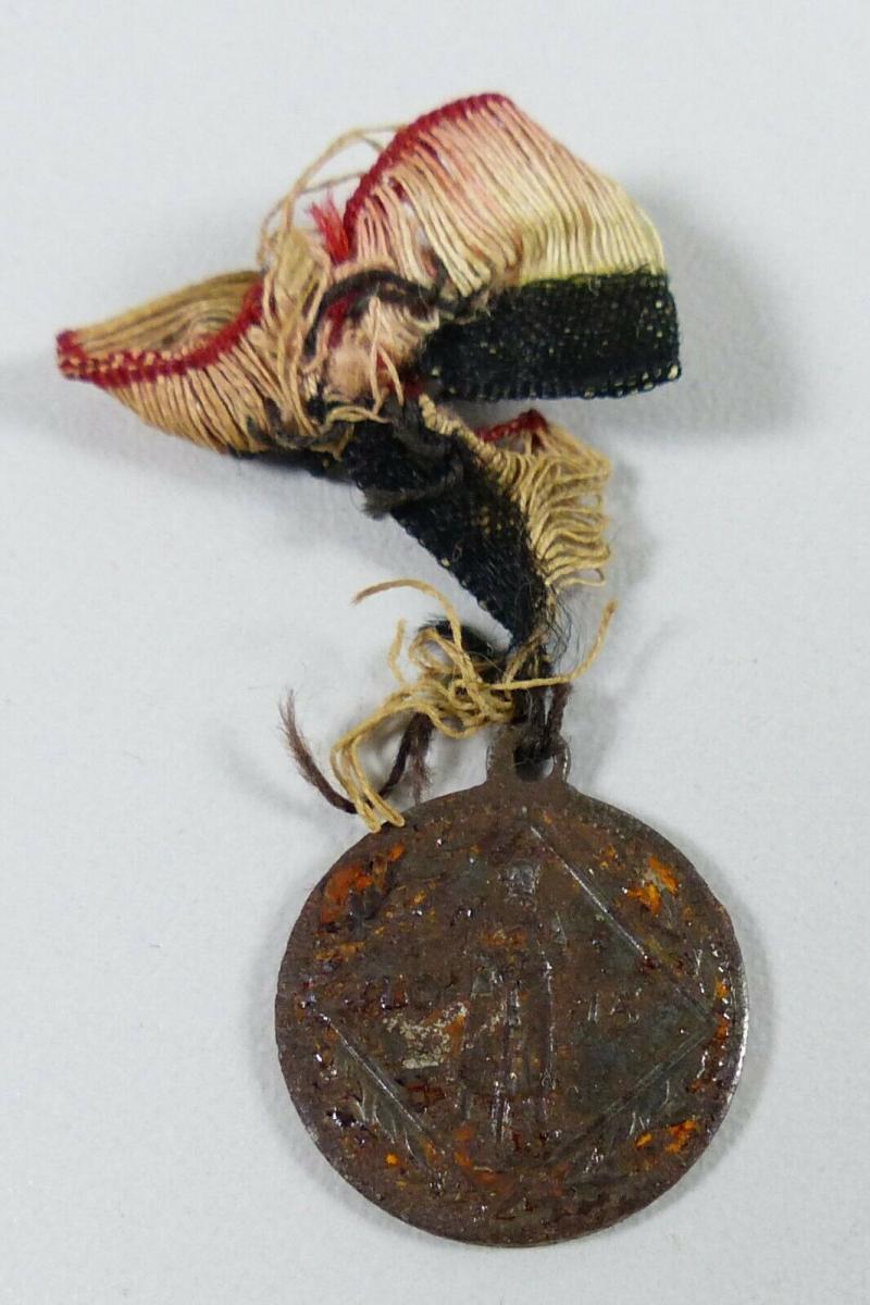 Kleine Medaille Hindenburg 1915 Eisen    (da5649)