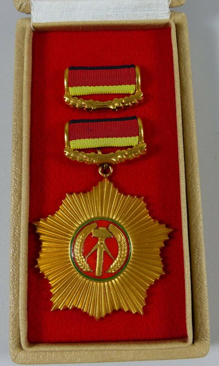 Vaterländischer Verdienstorden in Gold in OVP              (da5646)