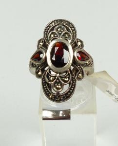Ring aus 925er Silber mit Granate, Gr. 52/Ø 16,6 mm  (da4500)