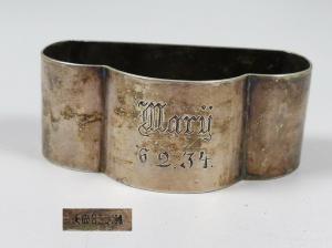 ausgefallener Serviettenring aus 835 Silber mit Gravur Mary 6.2.34  (da5726)