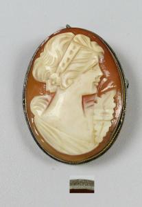 original alte Gemme in 800 Silber gefasst als Brosche oder Anhänger   (da5703)