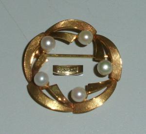 Tolle Brosche aus 333er Gold  mit Perlen  (da4240)