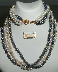 Vierreihige Perlenkette mit versch. Perlen und Goldperlen Schloß 14 K (da4228)