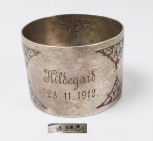 Serviettenring aus 800er Silber mit Monogramm Hildegard 28.11.1912 (da5944)