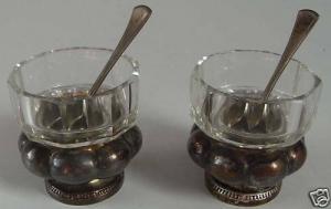 2 Salz- Gewürznäpfe & Löffel 800 er Silber v. Hugo Böhm    (si0266)