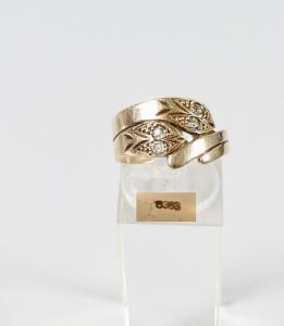 Schlangen Ring aus 333 Gold mit 4 kleinen Diamanten, Gr. 56/Ø 17,8 mm  (da5979)