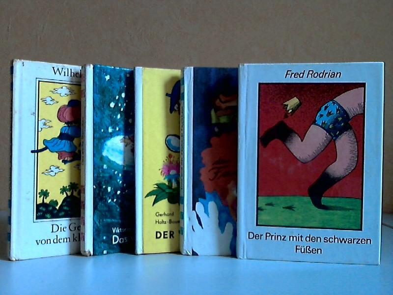 """Die Geschichte vom kleinen Muck (Band 128) - Das weiße Sternchen und andere Märchen (Band 67) - Der Wunderpilz (Band 100) - Otto und der Zauberer Faulebaul (Band 167) - Der Prinz mit den schwarzen Füßen (Band 137) 5 Bücher der Reihe """"Die kleinen T..."""