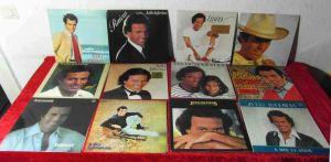 12  Langspielplatten  von JULIO IGLESIAS - Vinylsammlung -