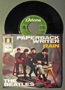 Single Beatles: Paperback Writer (Odeon O 23 210) D