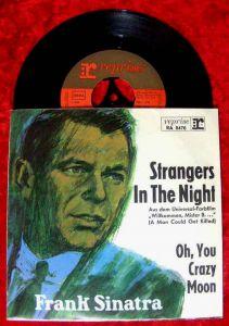 Single Frank Sinatra: Strangers In The Night (Reprise RA 0470) D 1966