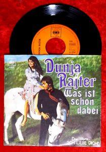 Single Dunja Rajter: Was ist schon dabei (CBS 5020) D 1970