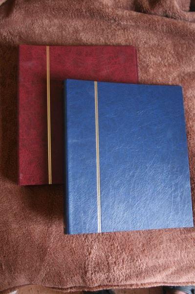 Briefmarken-Einsteckalbum, Einsteckalbum, Steckalbum, Ringbinder, mit 16 Blatt=32 Seiten DINA 4; Farbe der Ringbinder rot oder schwarz; bei Bestellung bitte gewünschte Farbe angeben