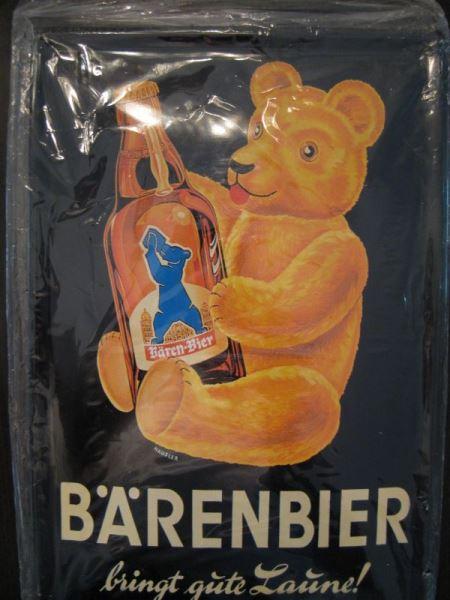 Blechschild mit Bären-Bier- Reklame, ca. DIN A4-Format