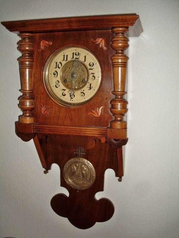 antike Uhr im Jugendstil