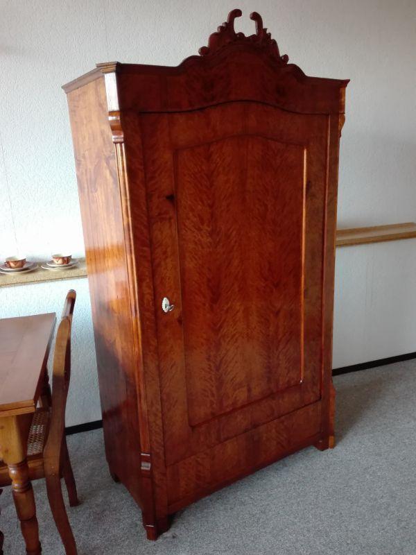 Kleiderschrank , Eintürer, Louis Philippe Stil 2