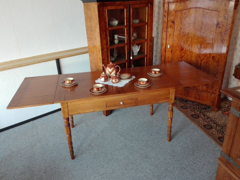 antiker Tisch ausziehbar Esche