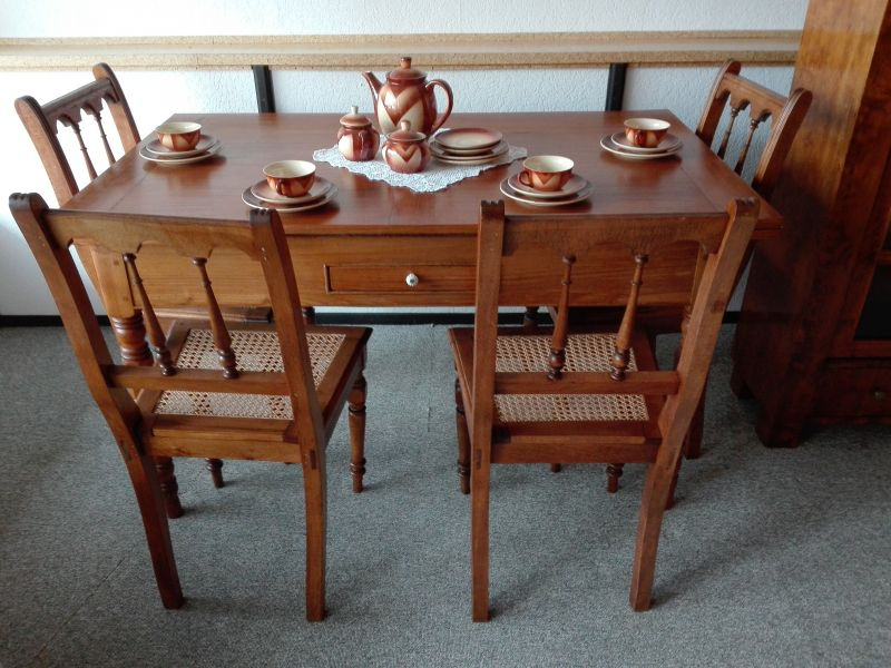 antiker Tisch ausziehbar Esche 1