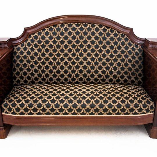 Dieses Produkt ist nur einmal verfügbar. Versand ist kostenlos.  Antikes Sofa - Chaiselongue vom Anfang des 20. Jahrhunderts. Die Möbel sind in sehr gutem Zustand, nach professioneller Renovierung wurde die Chaiselongue mit einem neuen Stoff bezogen... 4