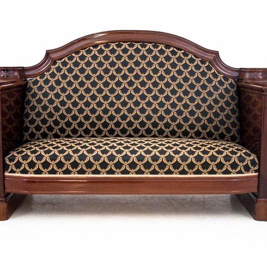 Dieses Produkt ist nur einmal verfügbar. Versand ist kostenlos.  Antikes Sofa - Chaiselongue vom Anfang des 20. Jahrhunderts. Die Möbel sind in sehr gutem Zustand, nach professioneller Renovierung wurde die Chaiselongue mit einem neuen Stoff bezogen... 6