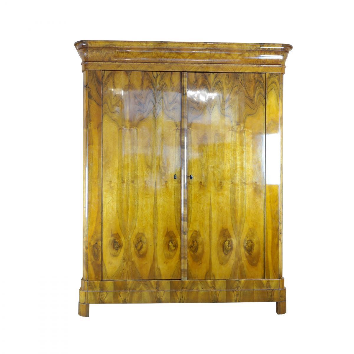 1820er Biedermeier Kleiderschrank aus Nussbaum 1