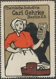 Frau mit CIS Waschmittel