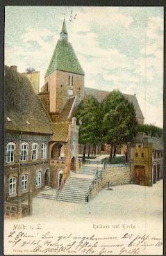Mölln i.L. Rathaus und Kirche.