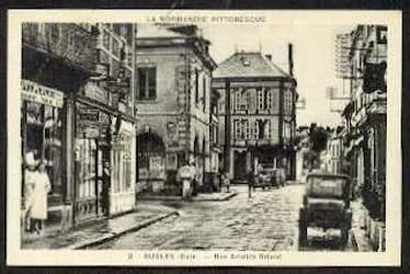 Rugles. Rue Aristide Briand.