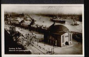 Hamburg. St. Pauli. Elbtunnel mit Landungsbrücken