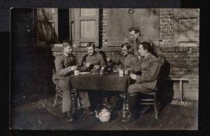 Soldatengruppe. Kartenspiel.