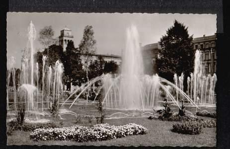 Karlsruhe. i.B. Wasserspiele am Festplatz