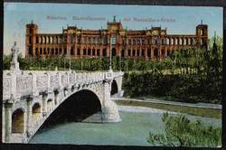 München. Maximilianeum mit Maximilians Brücke