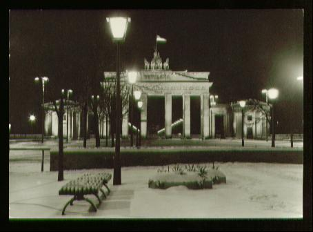 Berlin. Hauptstadt der DDR Brandenburger Tor