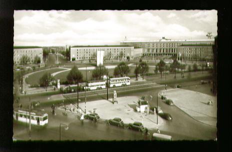 Berlin. Tempelhof. Platz der Luftbrücke