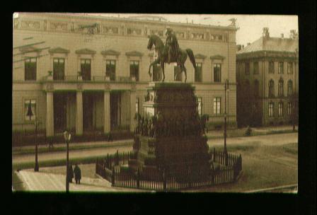 Berlin. Palais Kaiser Wilhelm I und Denkmal Friedrich des Grossen