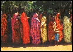 x05391; COMORES groupe de femmes).