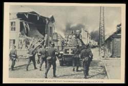 x12312; Stosstrupp dringt im Schutze eines Panzerspähwagens in Sochaczew ein.