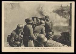 x12327; Artillerie greift in den Strassenkampf um eine französische Stadt ein.