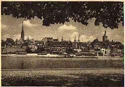 x12363; Würzburg. Blick auf die Altstadt über den Main.