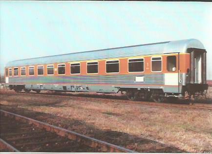 x16392. Reisezugwagen 1. und 2 Klasse.