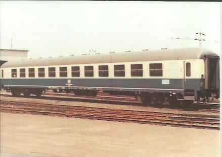 x16393. Reisezugwagen 2. Klasse.