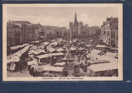 AK Deventer - Brink op Marktdag 1933