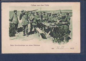 AK Grüsse aus dem Felde Beim Gewehrreinigen an einem Ruhetage 1917
