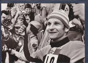 AK Hans Georg Aschenbach Goldmedaille im Sprunglauf Normalschanze 1976