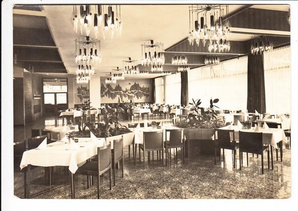 Oberhof, Interhotel, DDR-typische Einrichtung, Lampen!! gelaufen 1976