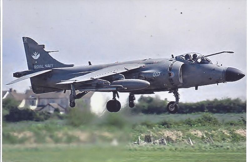 Kampfflugzeug Foto UK Navy British Aerospace Sea Harrier F 172