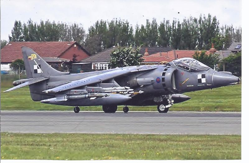 Kampfflugzeug Foto  UK AIR FORCE British Aerospace Harrier GR 7 A