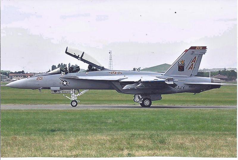 Kampfflugzeug Foto  USA NAVY Boeing F/A  18 F Super Hornet