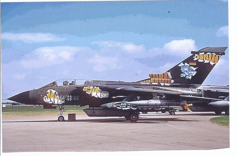 Kampfflugzeug Foto  German Air Force Panavia Tornado  I DS